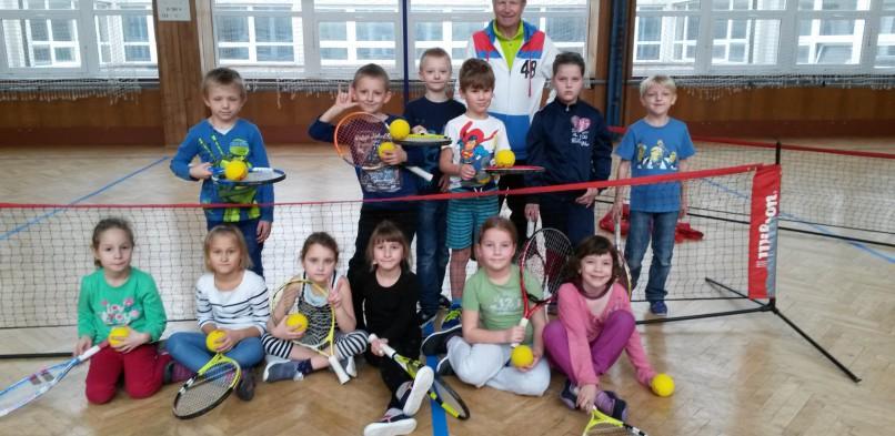 Výuka tenisu v ZŠ Kozinova